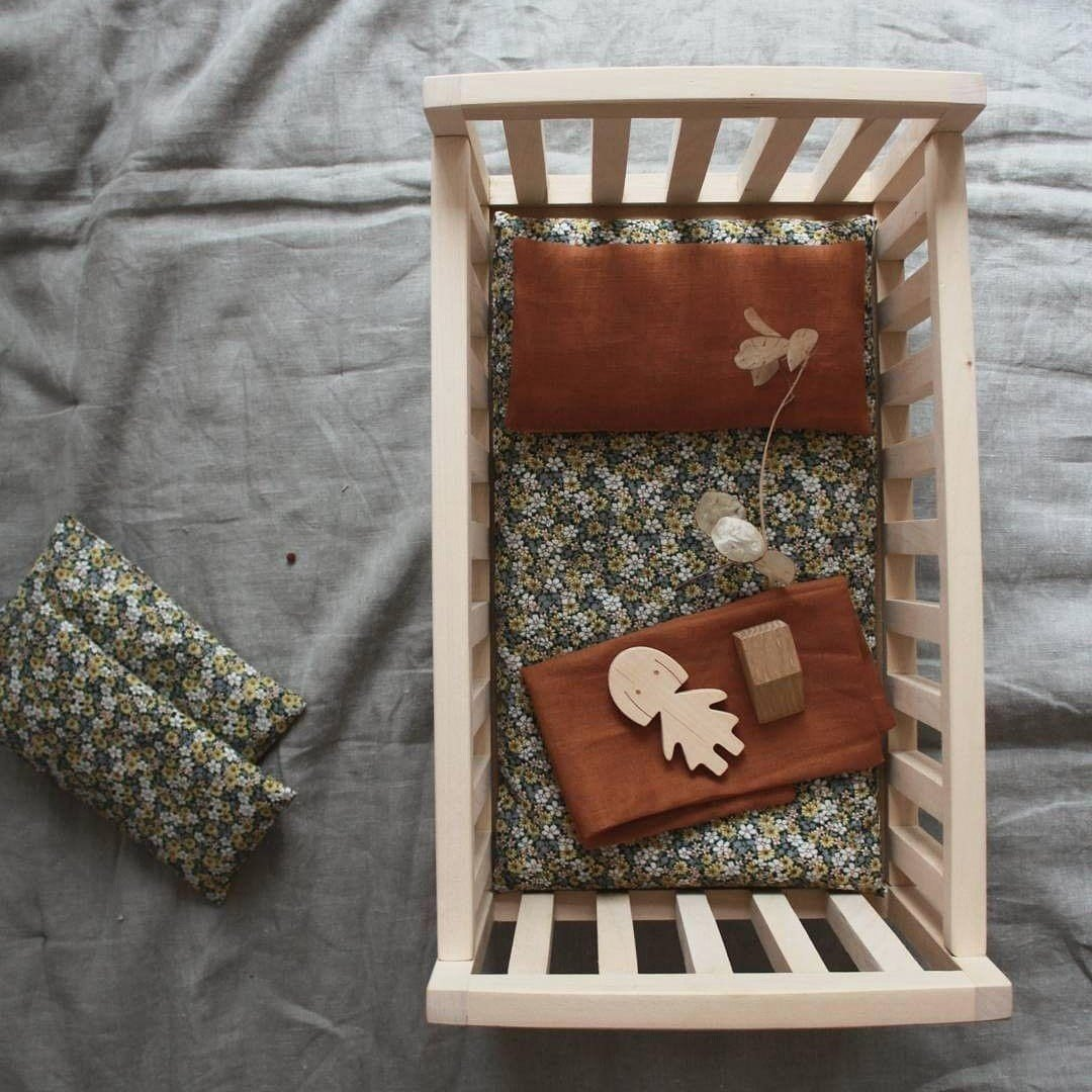 pinch toys doll bed