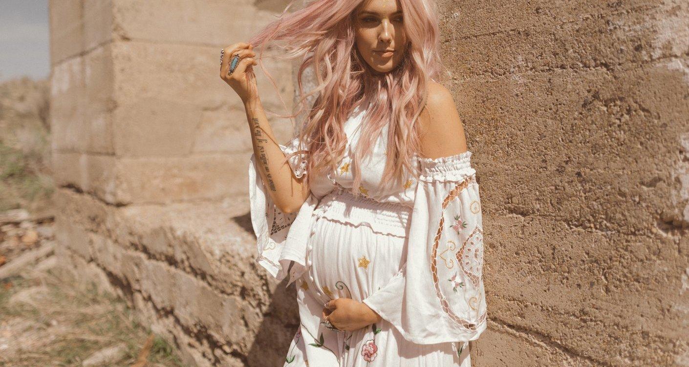 de7f7e940bb27 Maternity dresses that howl summer - Lunamag.com
