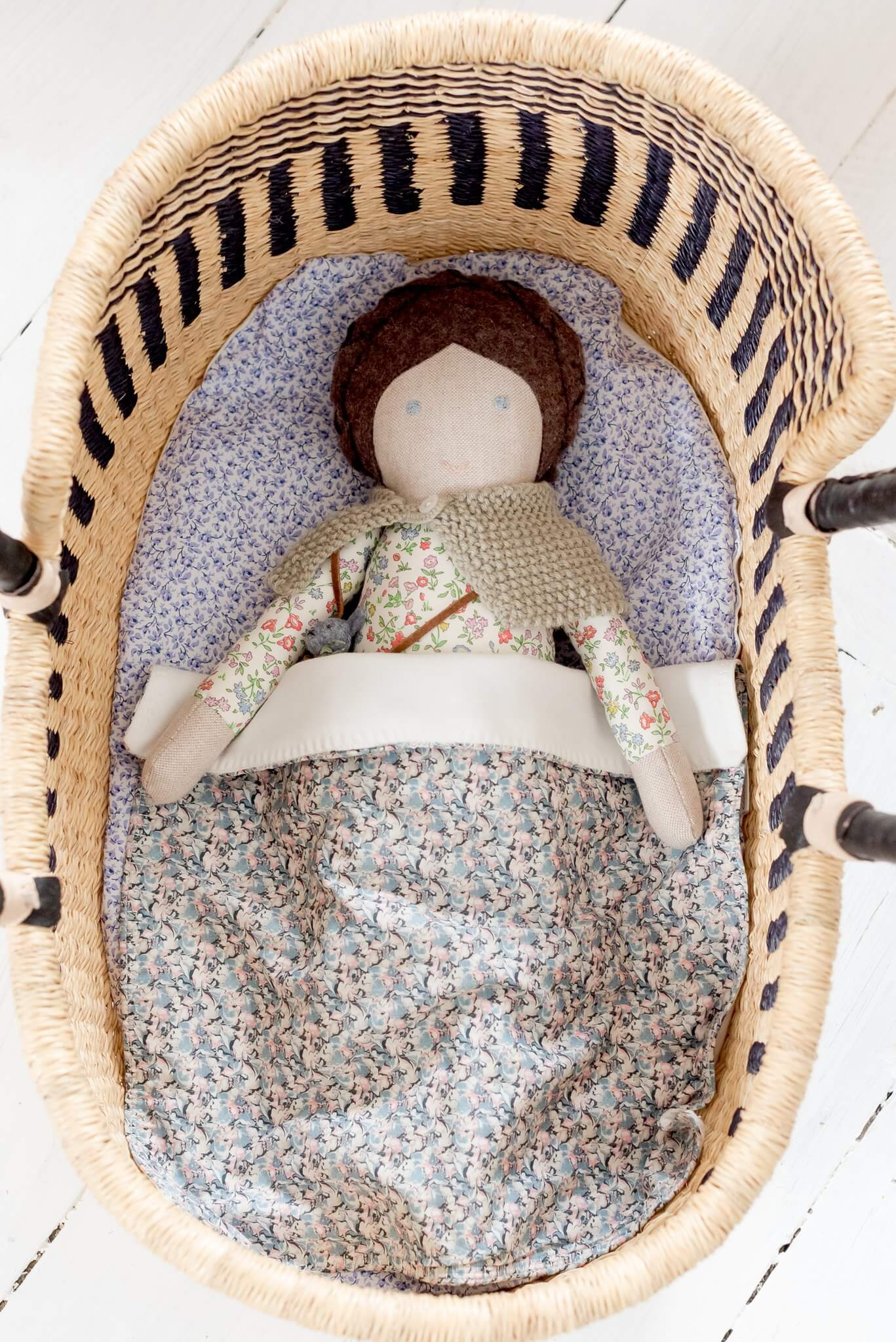 tilly cub doll moses basket 2