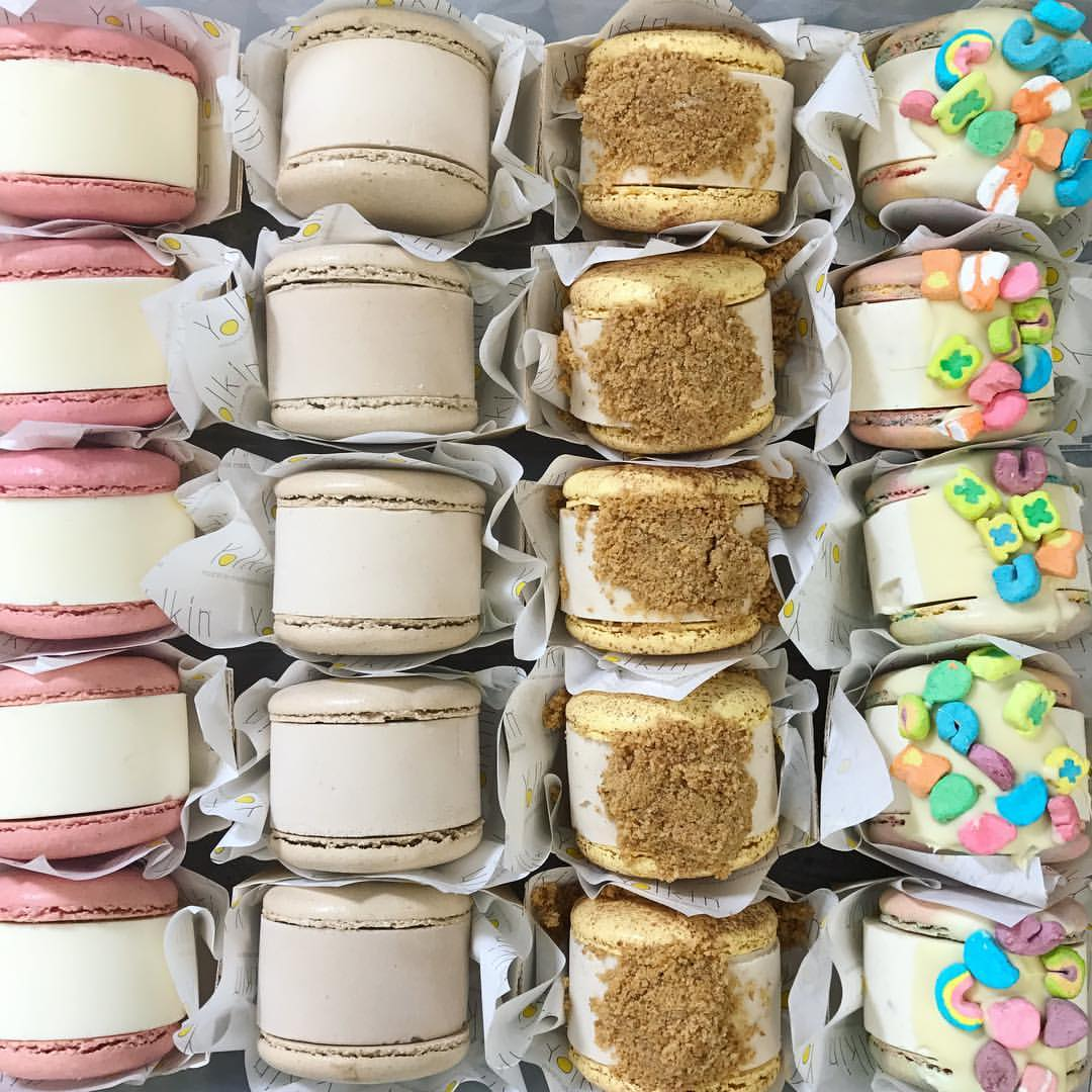 The most delicious Macaron Ice Cream Sandwiches from Yolkin