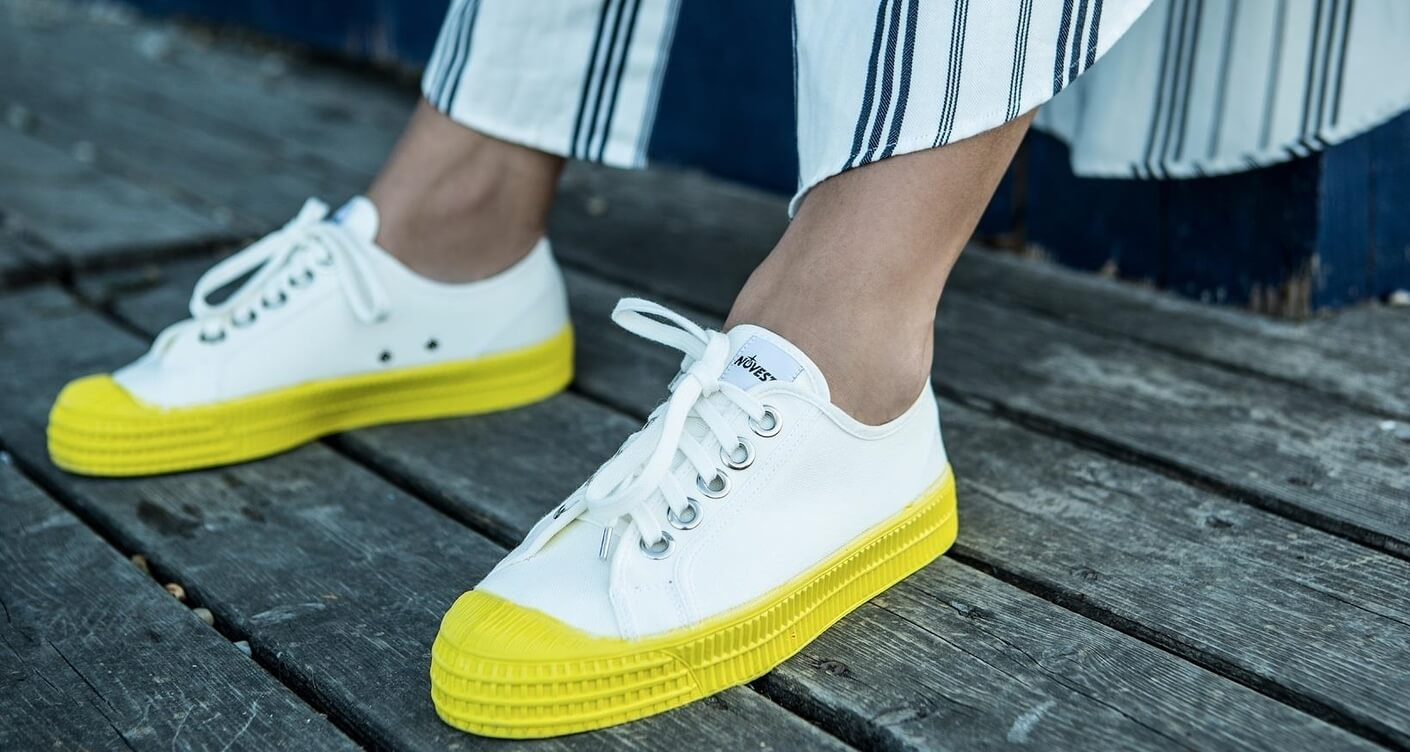 8 cool sneakers that we need in our mum wardrobe
