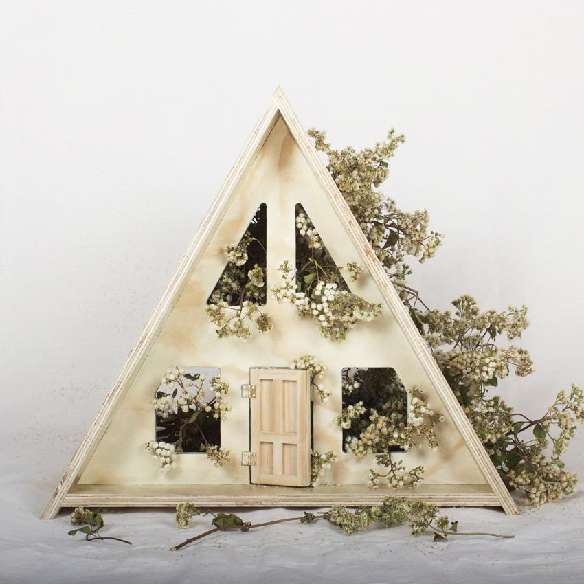 A-Frame dolls house from Such Great Heights