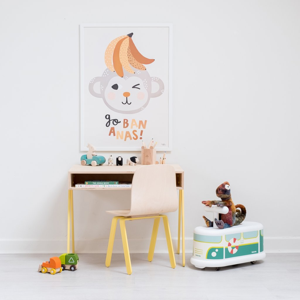 In2Wood desk and chair