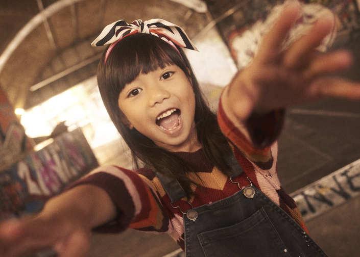 Lunamag.com kids fashion editorial street kids