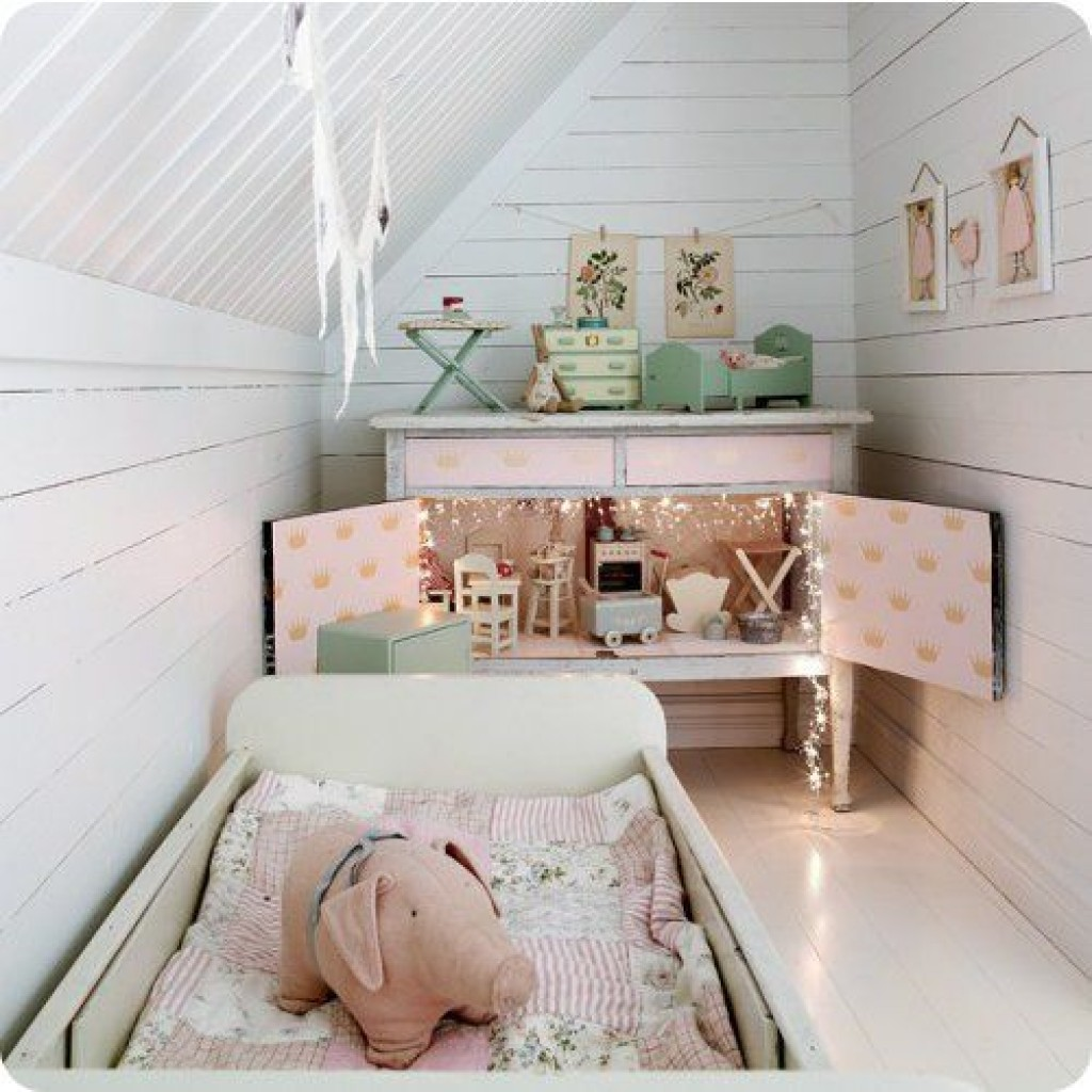 small kids room in the attic