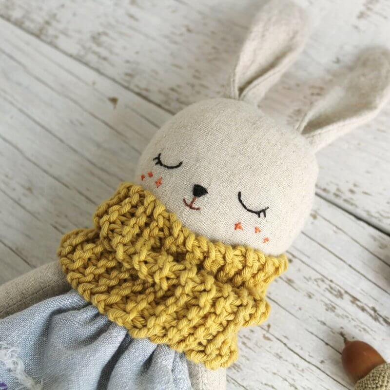 Handmade bunny dolls by Pepita Calabaza