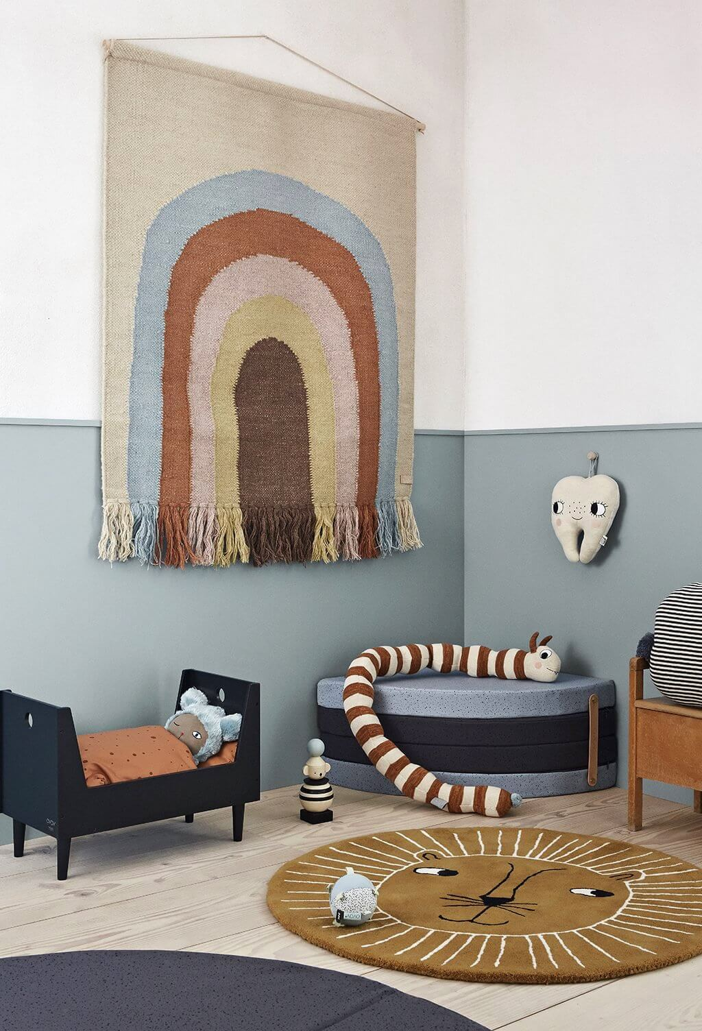 oyoy-follow-the-rainbow-rug